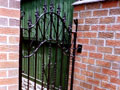 Metal Side Gates